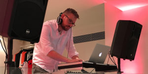 Jonas Moser DJ Firmenevent Store opening Sinéquanone Köln